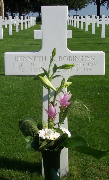 Grave of Kenneth R. Robinson while the concert was taking place
